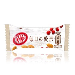 Kit Kat Mini Almonds & Cranberries